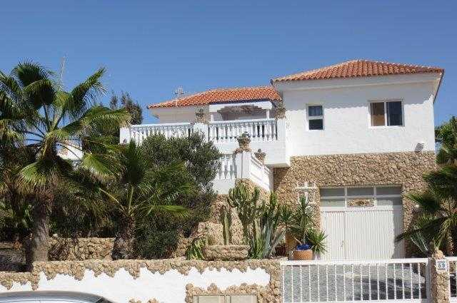 This real estate agent offers the most beautiful houses on Fuerteventura